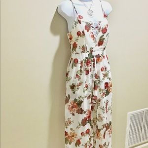 Dresses & Skirts - NEW Floral Maxi Romper